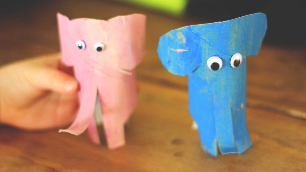 Brincadeira Elefante de Rolo de Papel