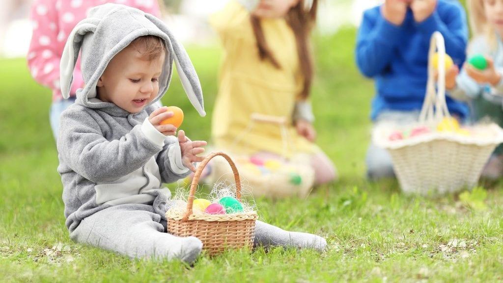 Caça aos Ovos para Crianças durante a Páscoa